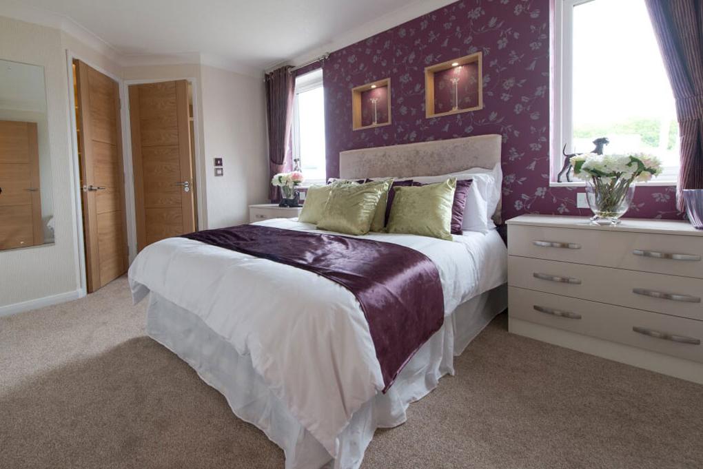 five furlongs country park bedroom